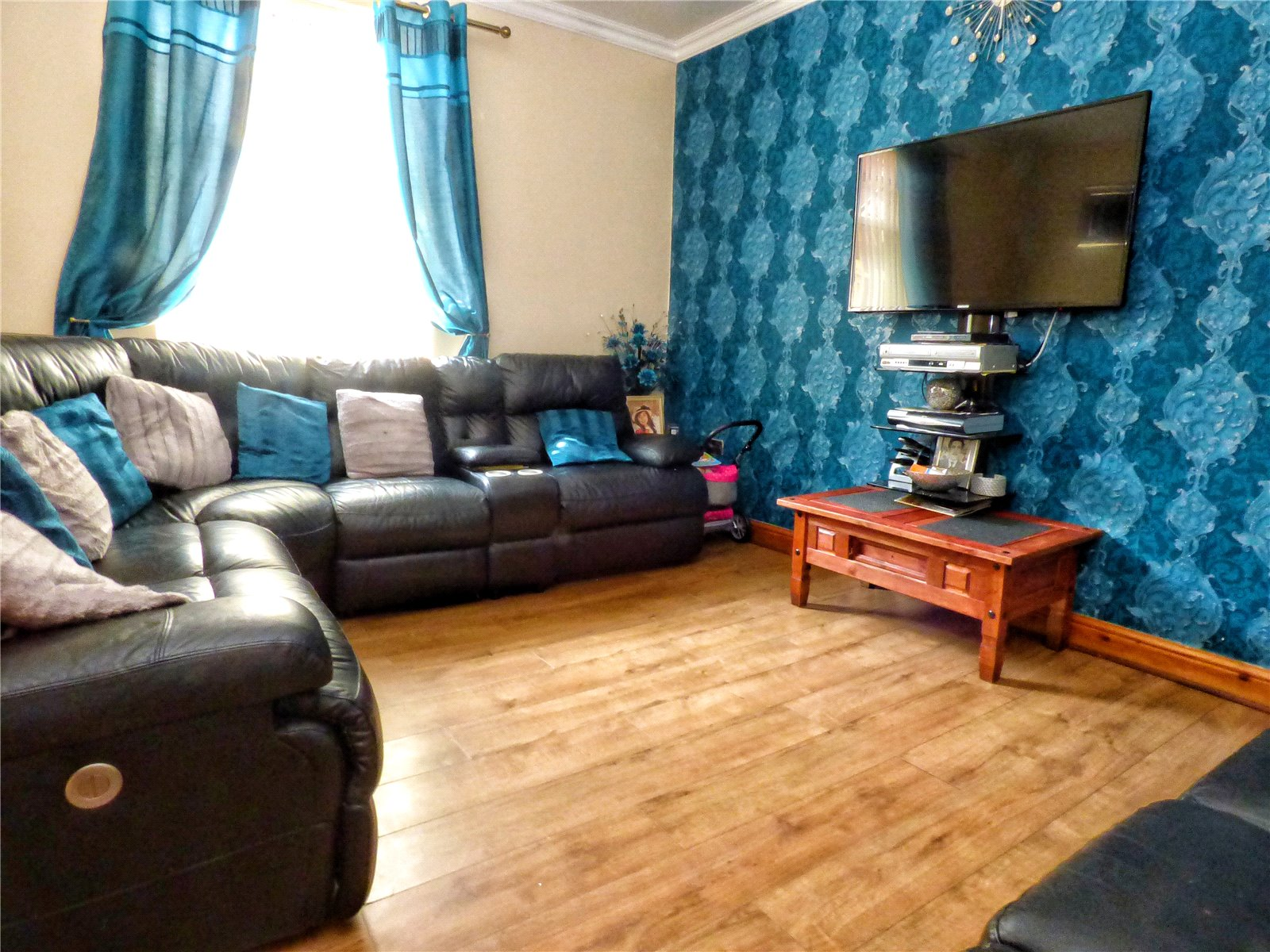3 Bedrooms End Of Terrace House for sale in Hey Street, Rochdale, Greater Manchester, OL16