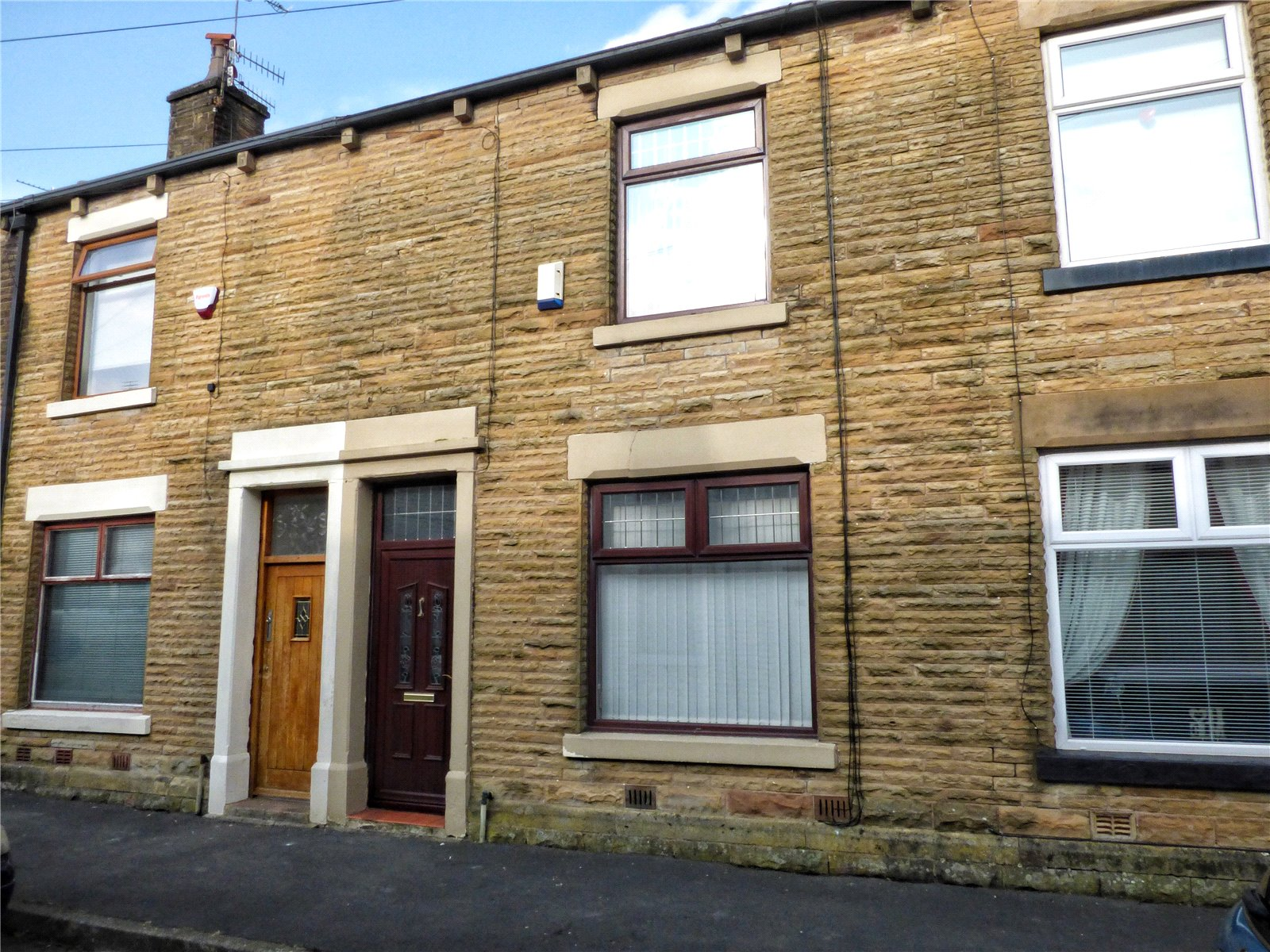 3 Bedrooms Terraced House for sale in Charles Street, Littleborough, Rochdale, OL15