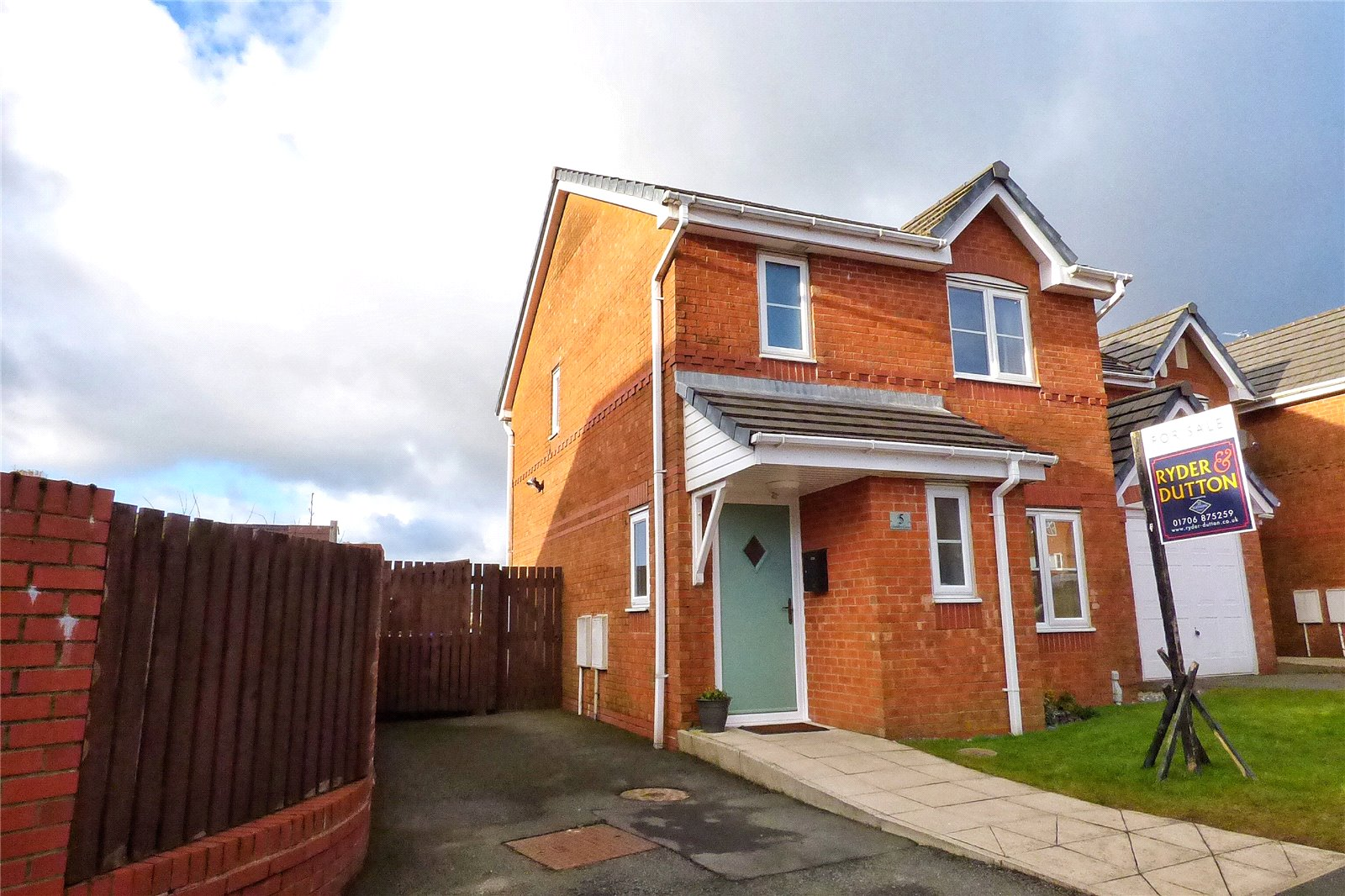 3 Bedrooms Detached House for sale in Sandby Close, Bacup, Lancashire, OL13
