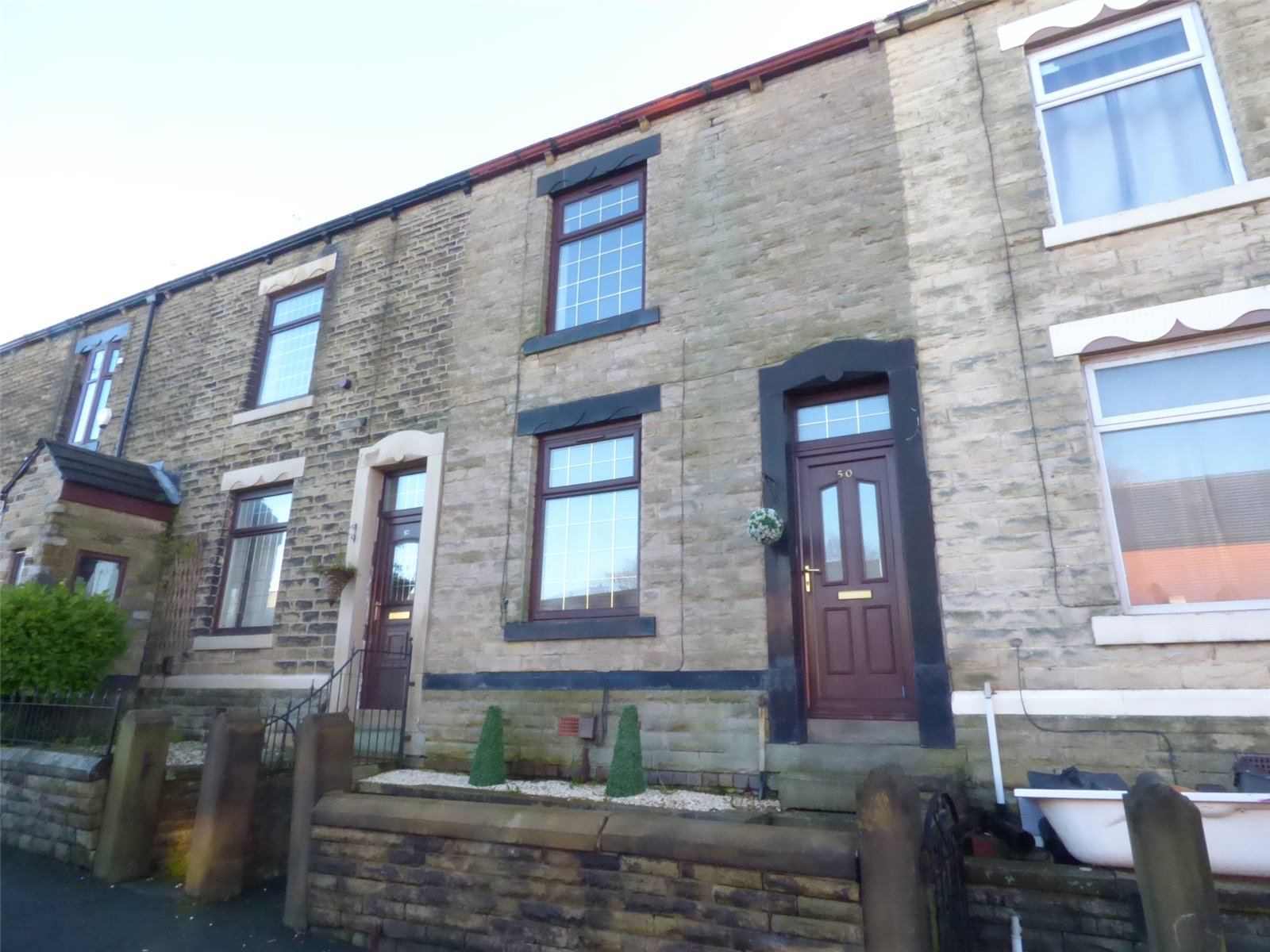 3 Bedrooms Terraced House for sale in Grains Road, Shaw, Oldham, Greater Manchester, OL2