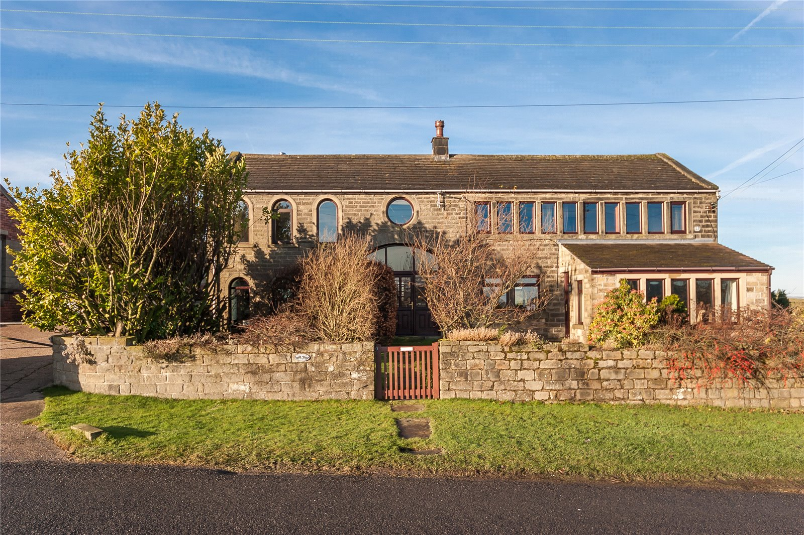 4 Bedrooms House for sale in Scholes Moor Road, Scholes, Holmfirth, HD9