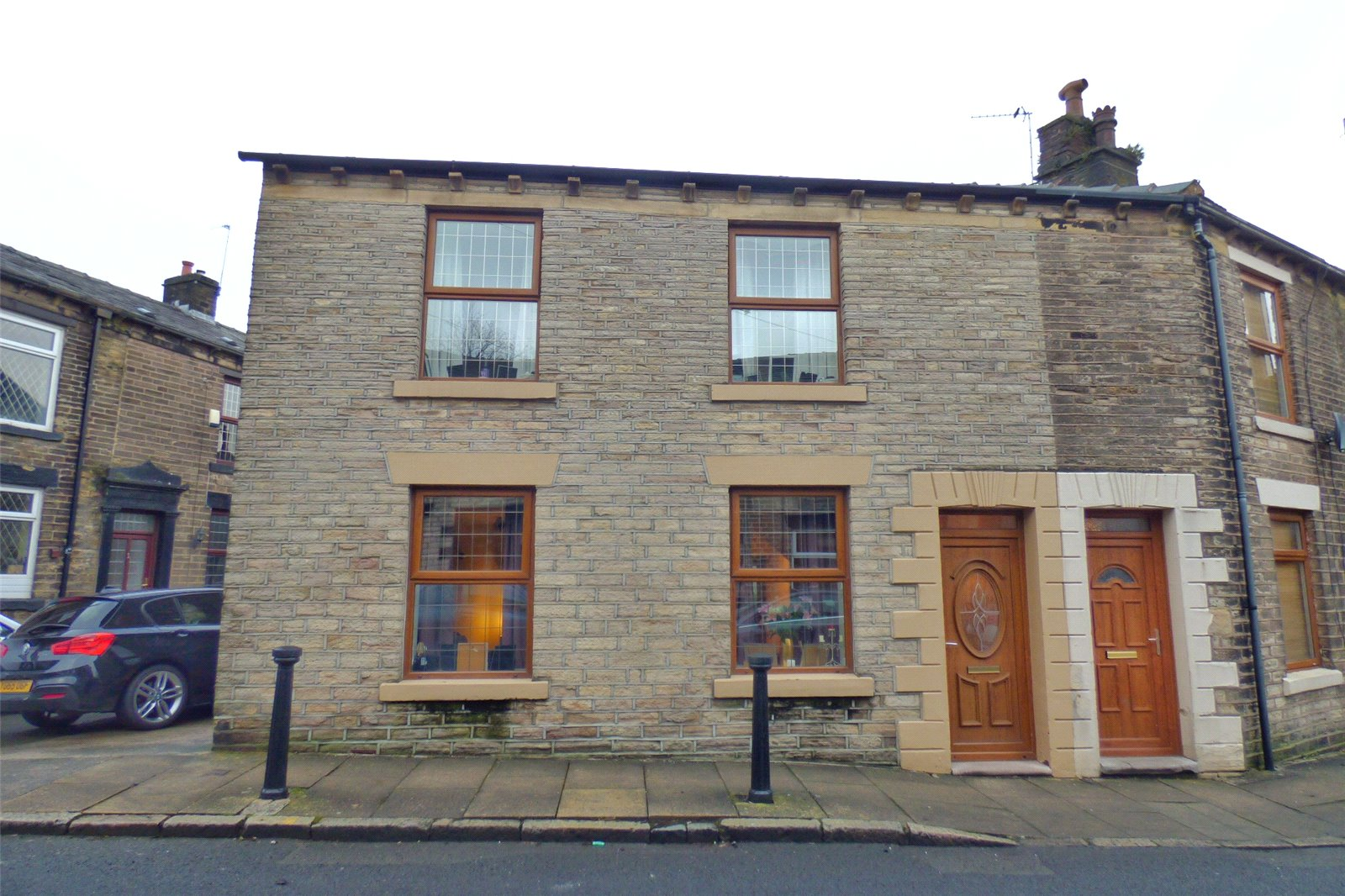 4 Bedrooms End Of Terrace House for sale in Church Street, Lees, Oldham, Greater Manchester, OL4