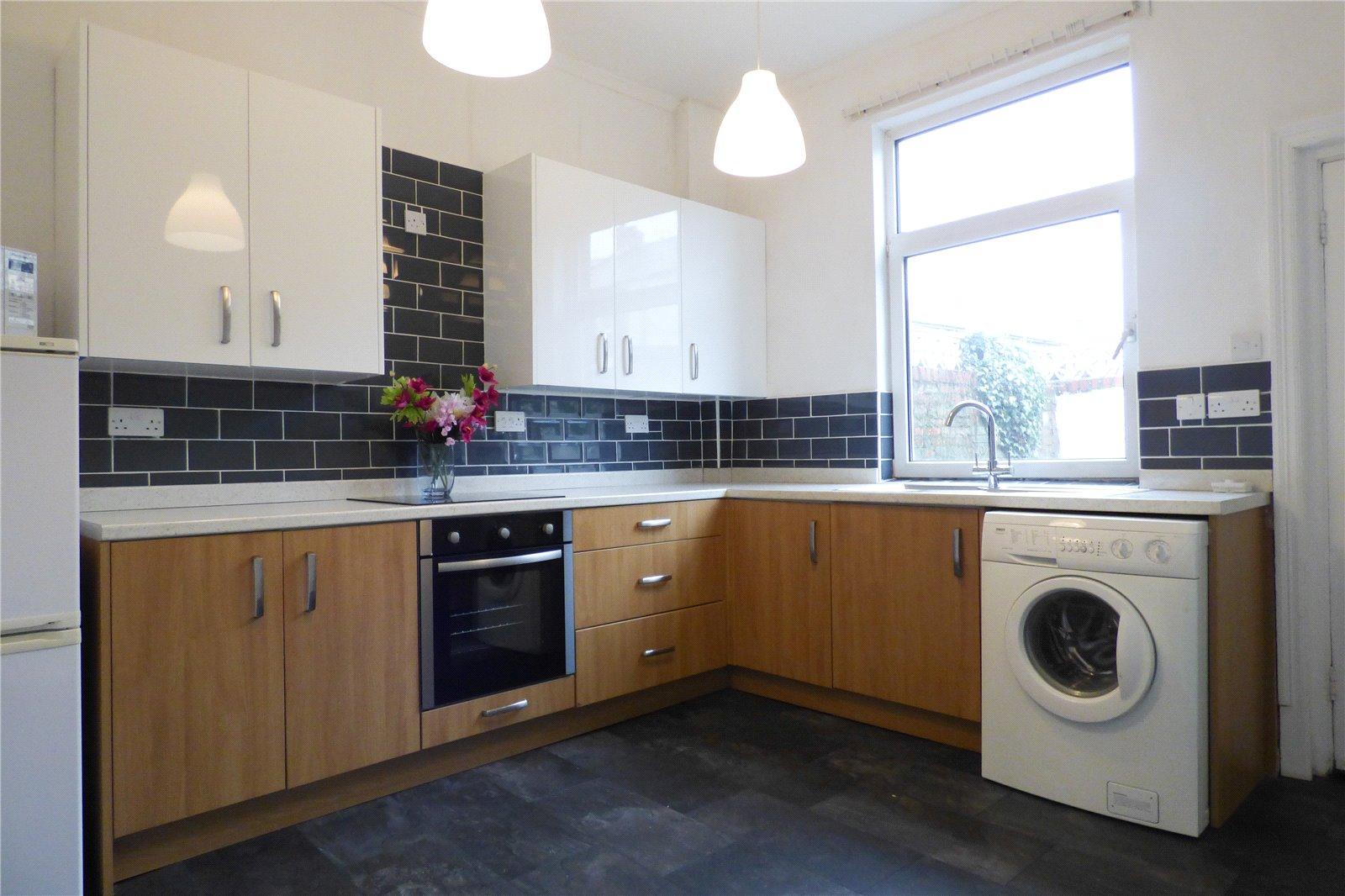 2 Bedrooms End Of Terrace House for sale in Herries Street, Ashton-under-Lyne, Greater Manchester, OL6