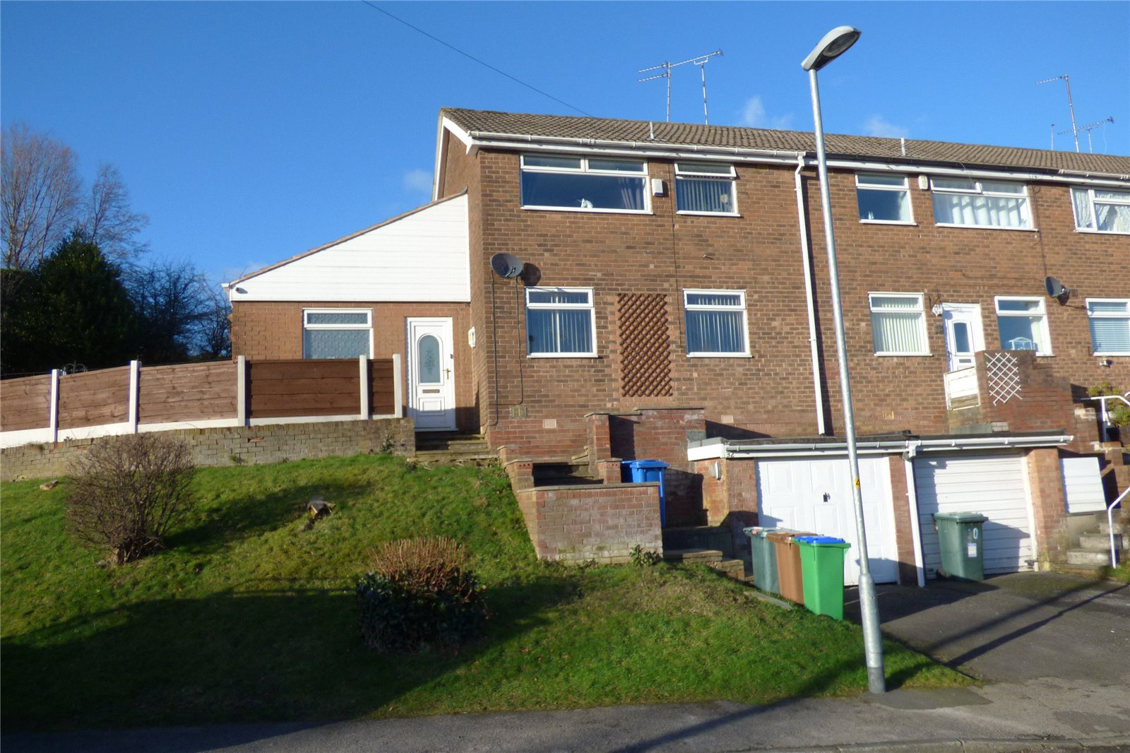 3 Bedrooms End Of Terrace House for sale in Schoolside Lane, Rhodes, Middleton, Manchester, M24