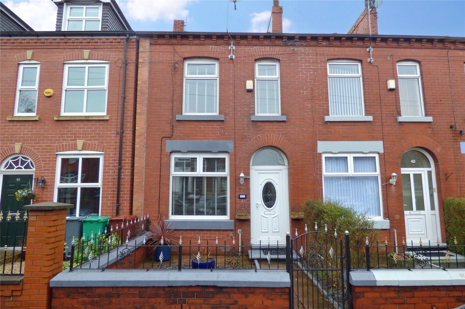 2 Bedrooms Terraced House for sale in Belgrave Road, New Moston, Manchester, M40