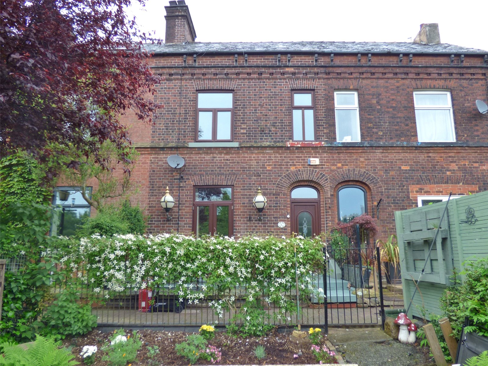 3 Bedrooms Terraced House for sale in Holly Bank, Off Williams Road, New Moston, Manchester, M40