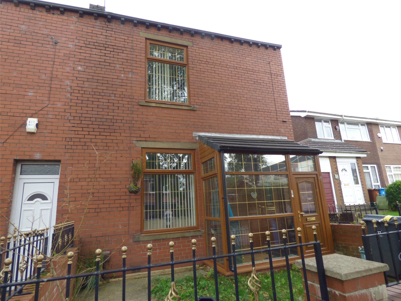 3 Bedrooms End Of Terrace House for sale in Game Street, Roundthorn, Oldham, Greater Manchester, OL4