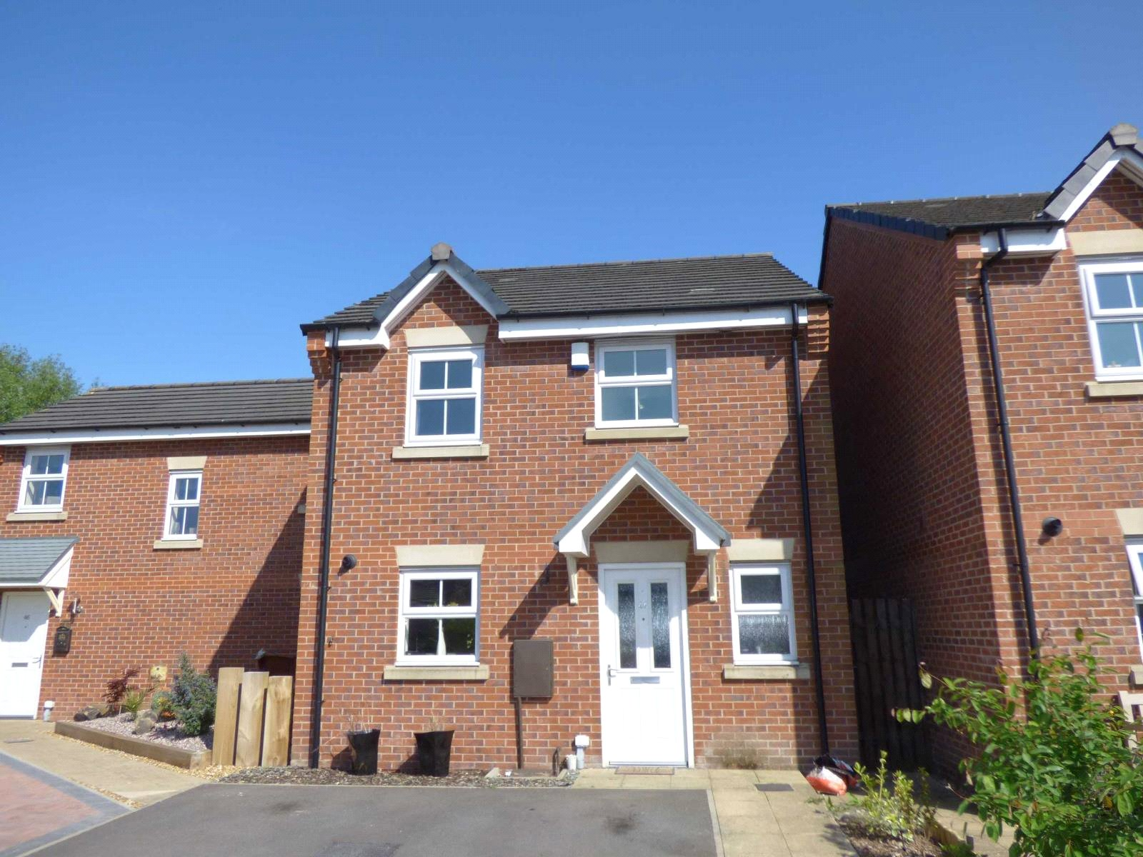 3 Bedrooms Semi Detached House for sale in Waters Edge, New Moston, Manchester, M40