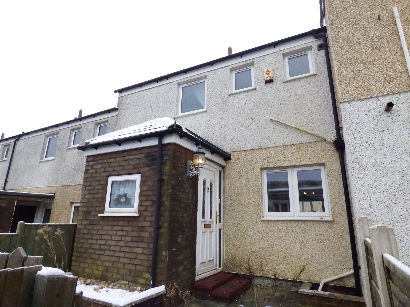 2 Bedrooms Terraced House for sale in Hollins Bank, Glossop, SK13