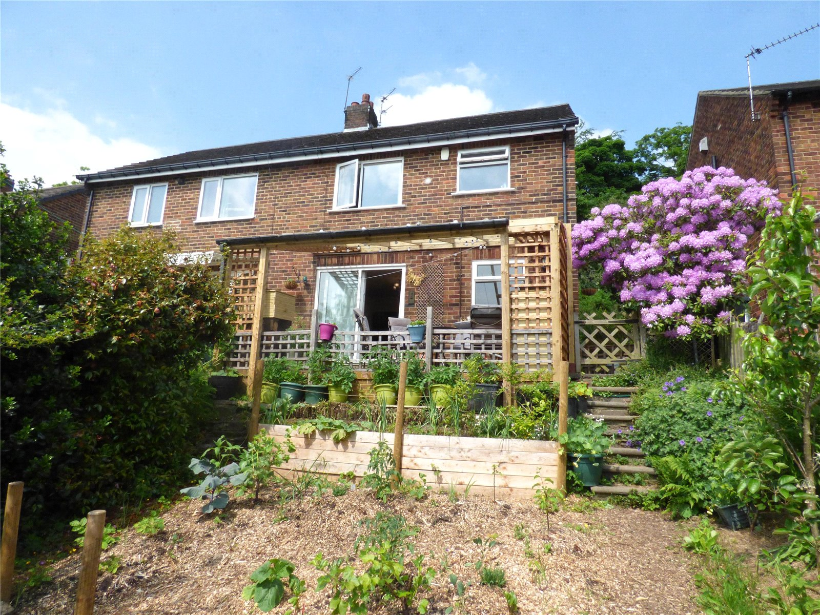 3 Bedrooms Semi Detached House for sale in Riverwood Drive, Copley, HALIFAX, West Yorkshire, HX3