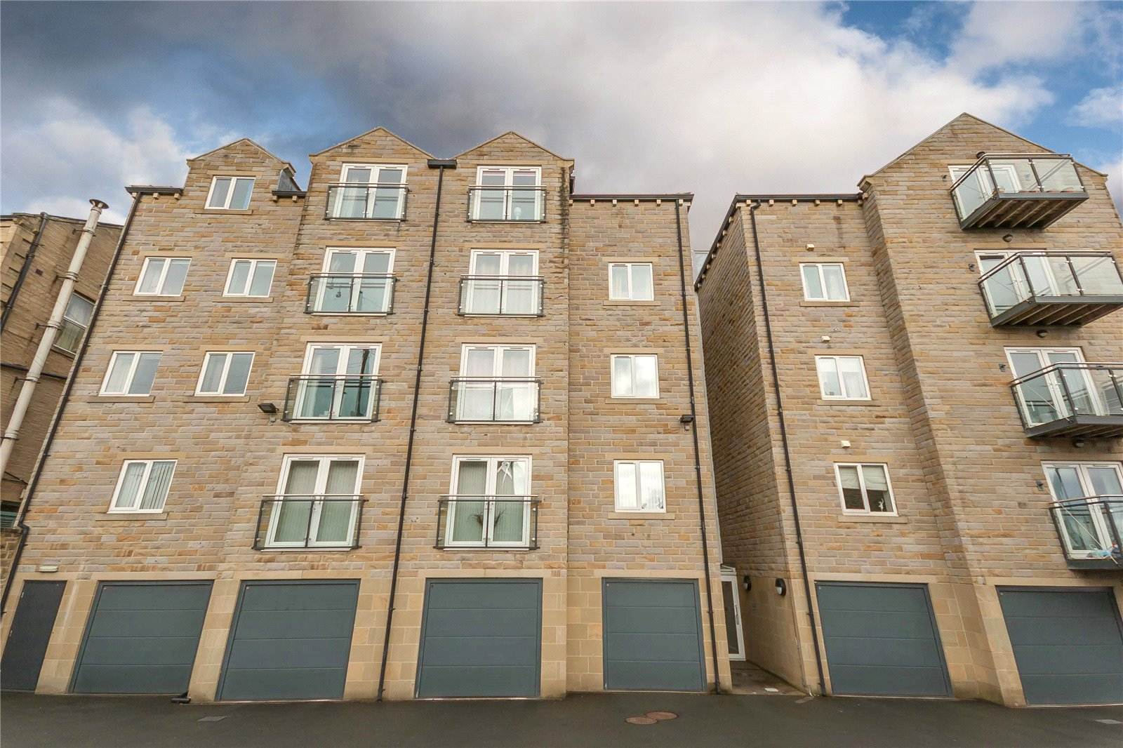 1 Bedroom Apartment Flat for sale in Copperfield House, Huddersfield Road, HALIFAX, West Yorkshire, HX3