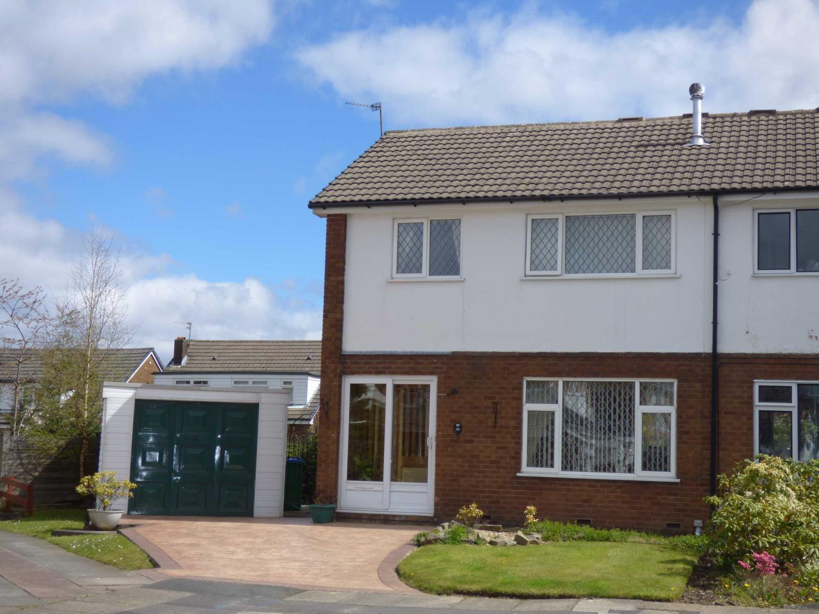 3 Bedrooms Semi Detached House for sale in Newbury Grove, Hopwood, Heywood, Lancashire, OL10