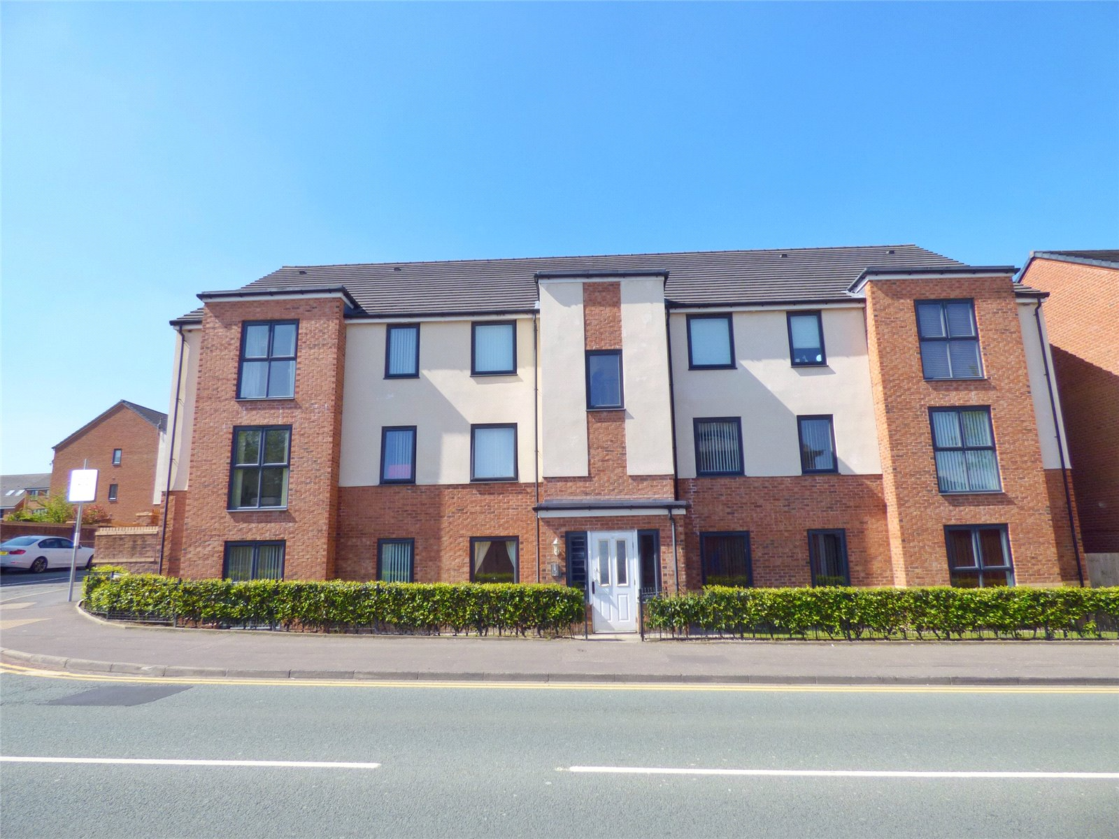 2 Bedrooms Apartment Flat for sale in Manchester Street, Heywood, Greater Manchester, OL10