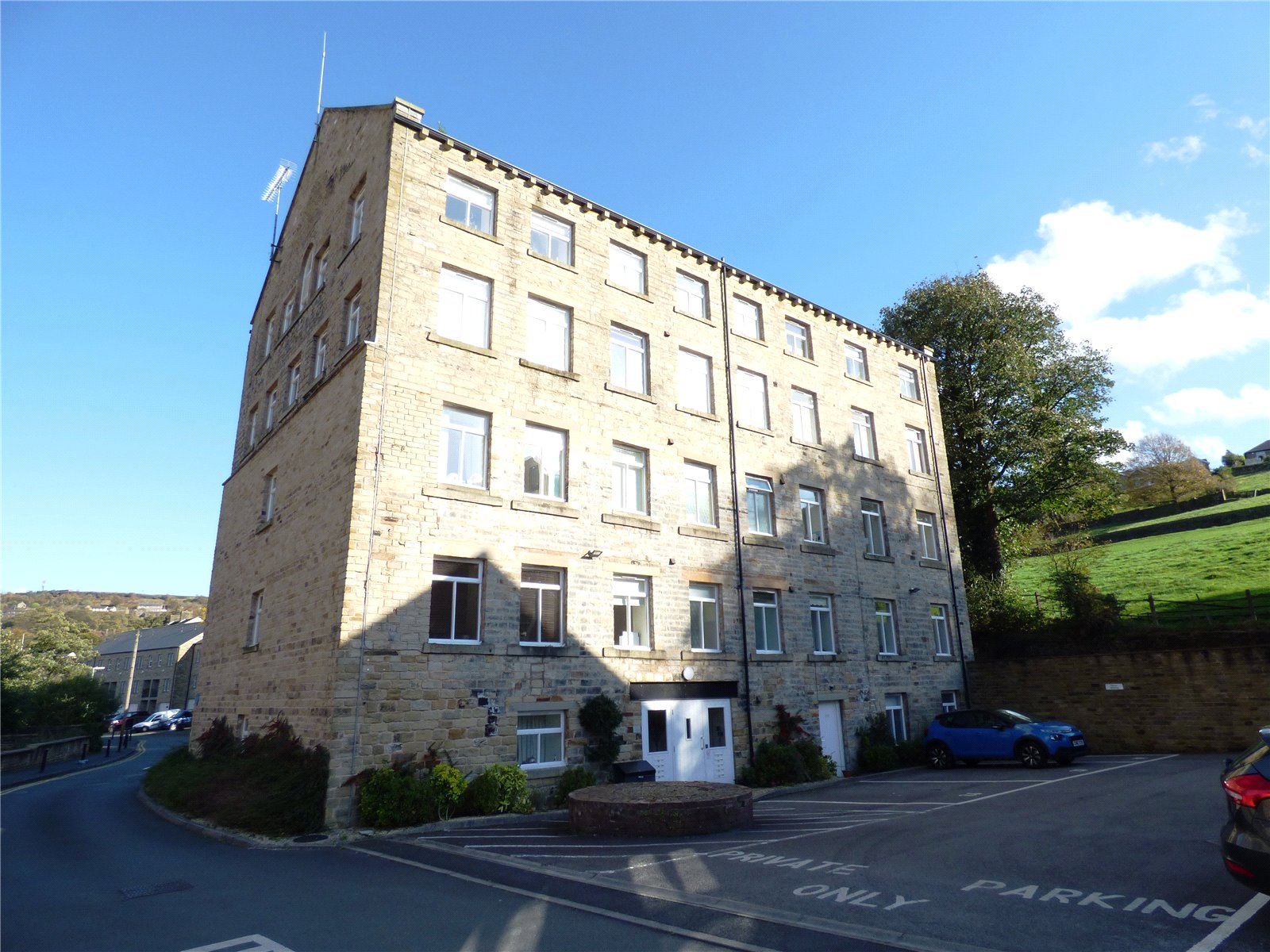2 Bedrooms Apartment Flat for sale in The Mill, Lower Mill Lane, Holmfirth, West Yorkshire, HD9