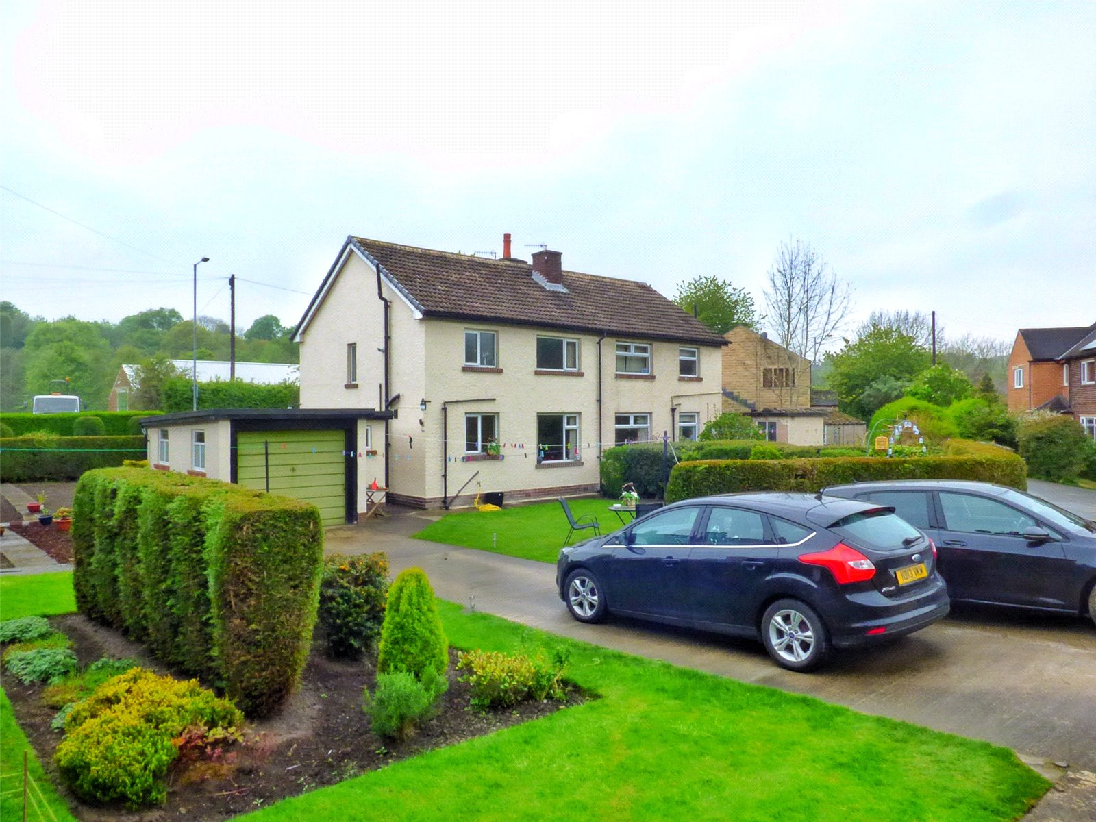 3 Bedrooms Semi Detached House for sale in New Mill Road, Honley, Holmfirth, West Yorkshire, HD9