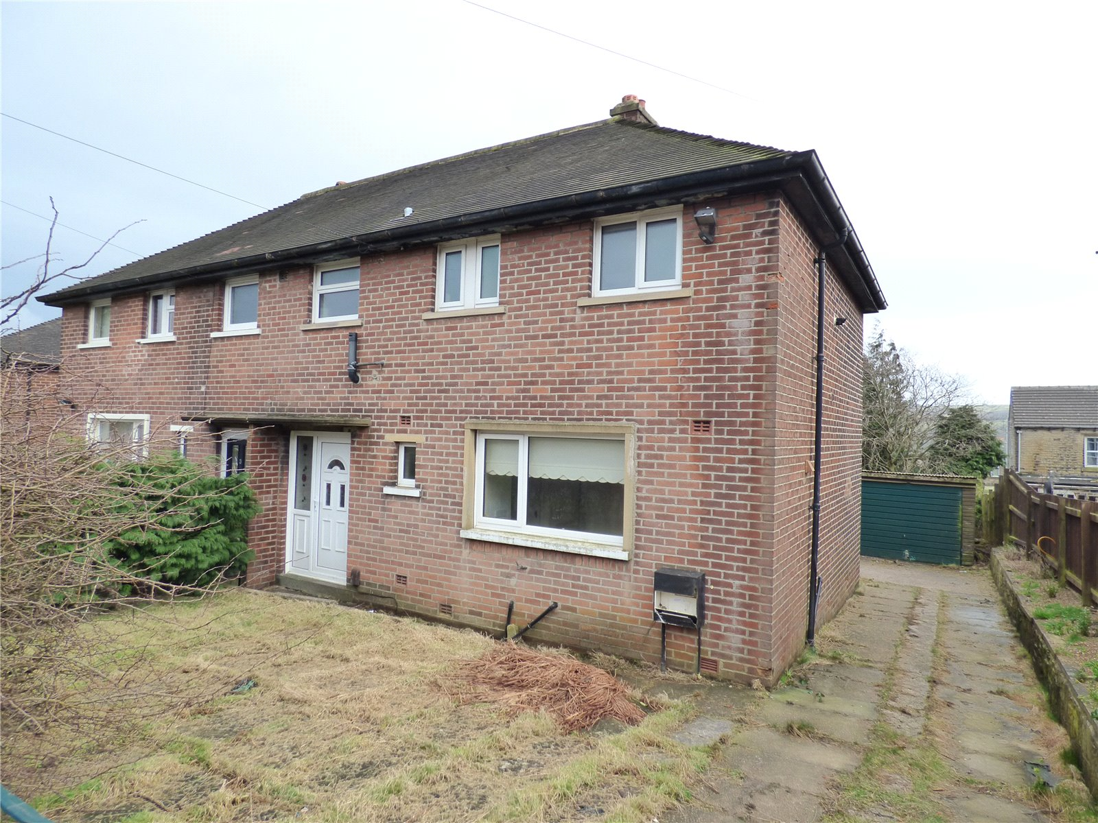 3 Bedrooms Semi Detached House for sale in Highfield Avenue, Meltham, Holmfirth, West Yorkshire, HD9