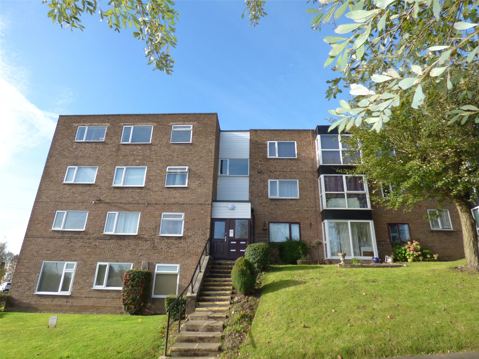 1 Bedroom Apartment Flat for sale in Heywood Court, Rhodes, Middleton, Manchester, M24