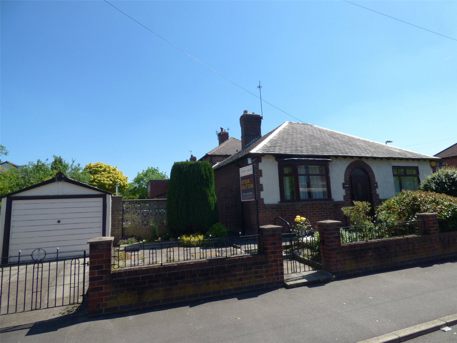 3 Bedrooms Detached Bungalow for sale in Goodman Street, Blackley, Manchester, M9
