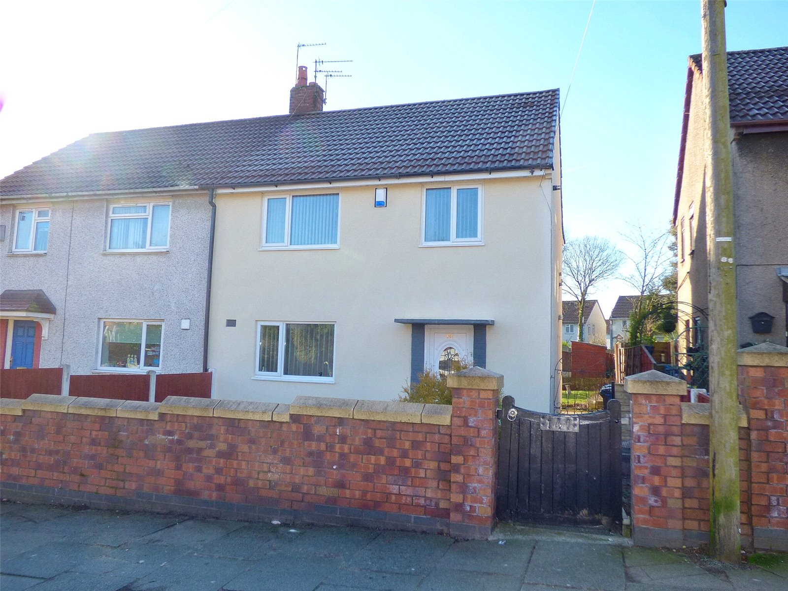 3 Bedrooms Semi Detached House for sale in Hollin Lane, Middleton, Manchester, M24