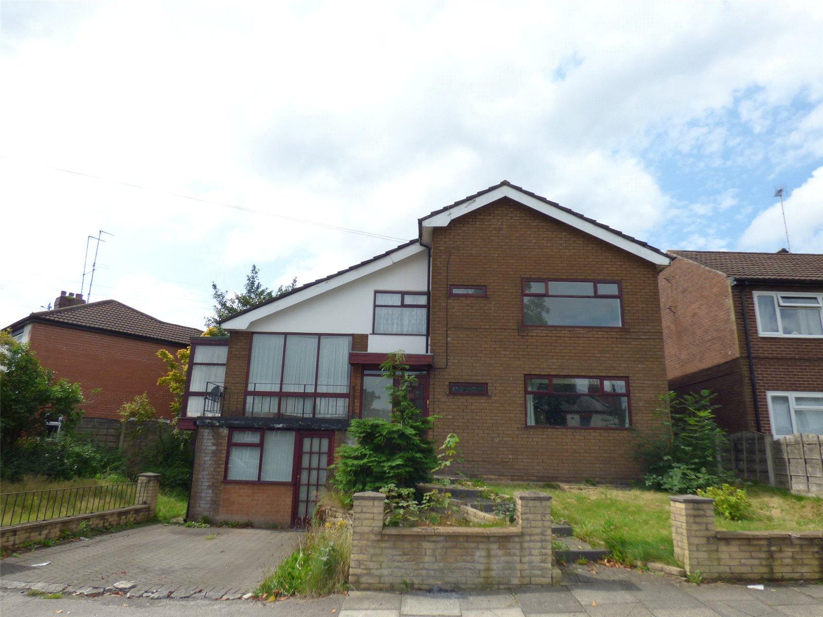 4 Bedrooms Detached House for sale in Middleton Road, Rhodes, Middleton, Manchester, M24