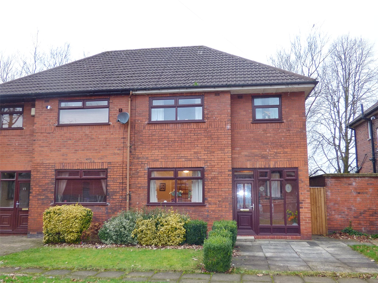 3 Bedrooms Semi Detached House for sale in Aspinall Street, Middleton, Manchester, M24