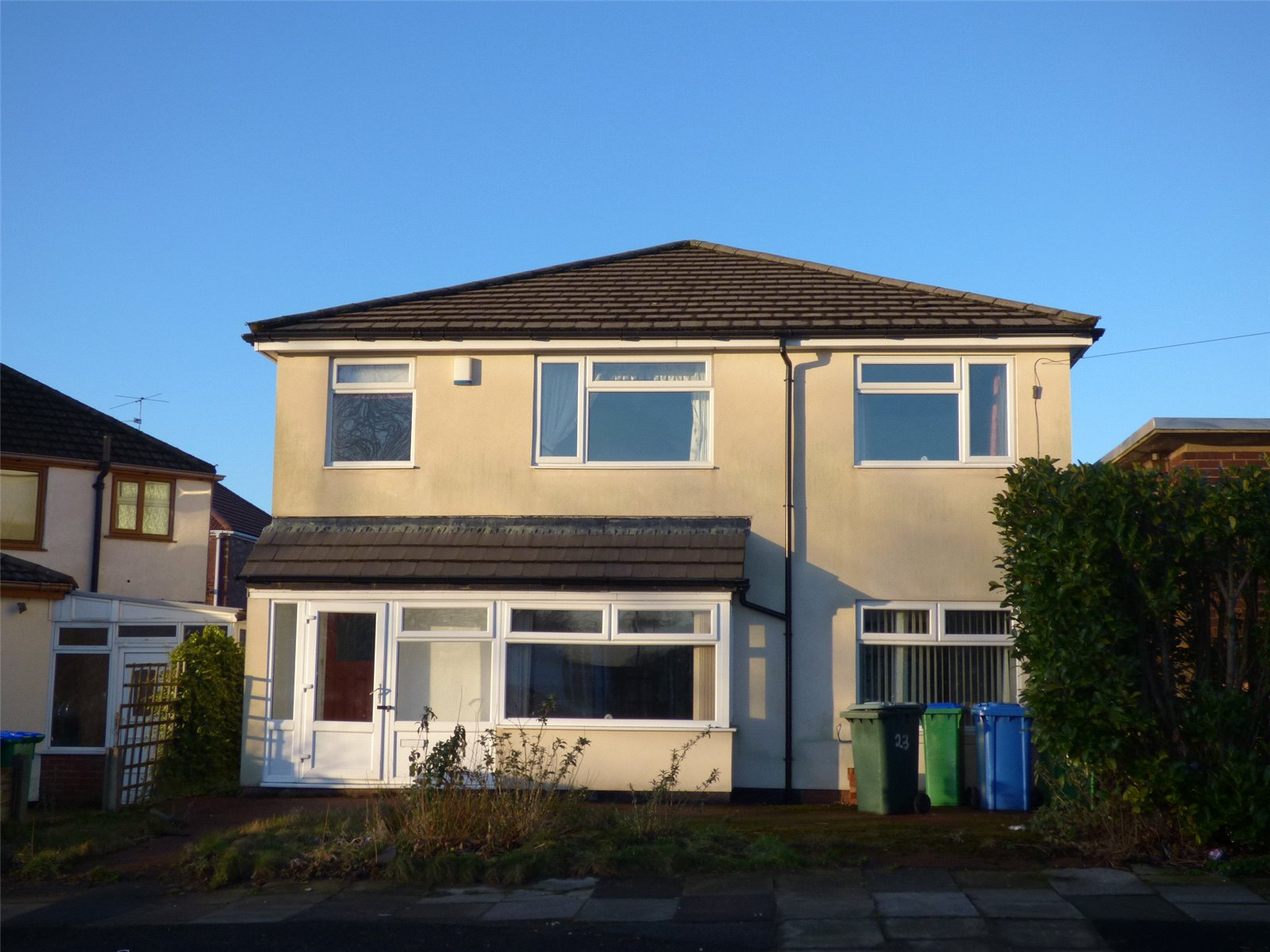3 Bedrooms Detached House for sale in Kingsway, Alkrington, Middleton, Manchester, M24