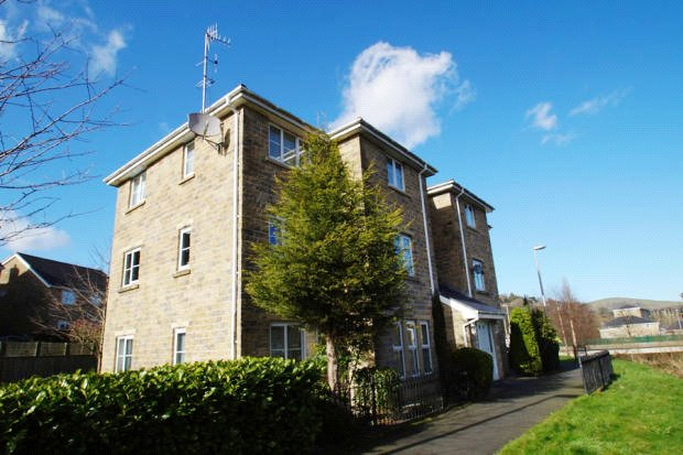 1 Bedroom Apartment Flat for sale in Three Counties Road, Mossley, Ashton-under-lyne, Lancashire, OL5
