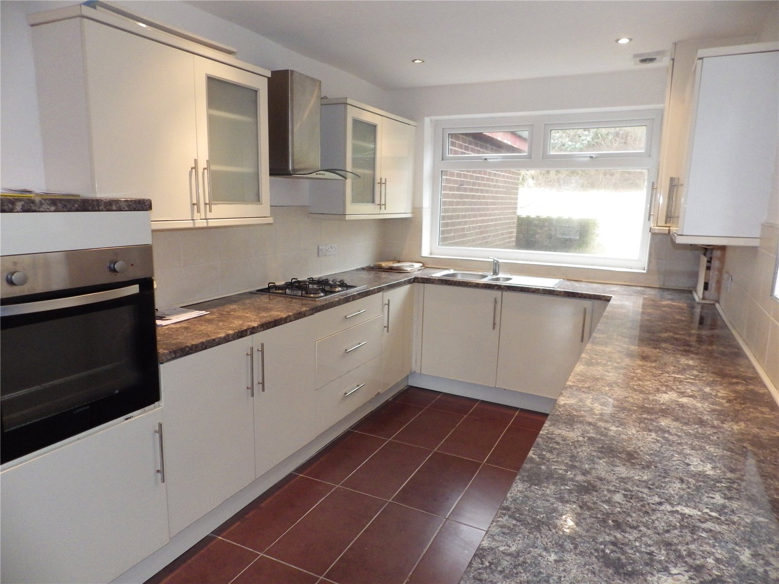 3 Bedrooms Detached Bungalow for sale in Valley Close, Mossley, Ashton-under-lyne, Lancashire, OL5