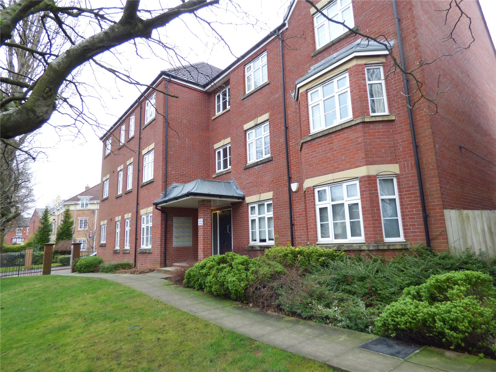 2 Bedrooms Apartment Flat for sale in Hardy Close, Dukinfield, Greater Manchester, SK16