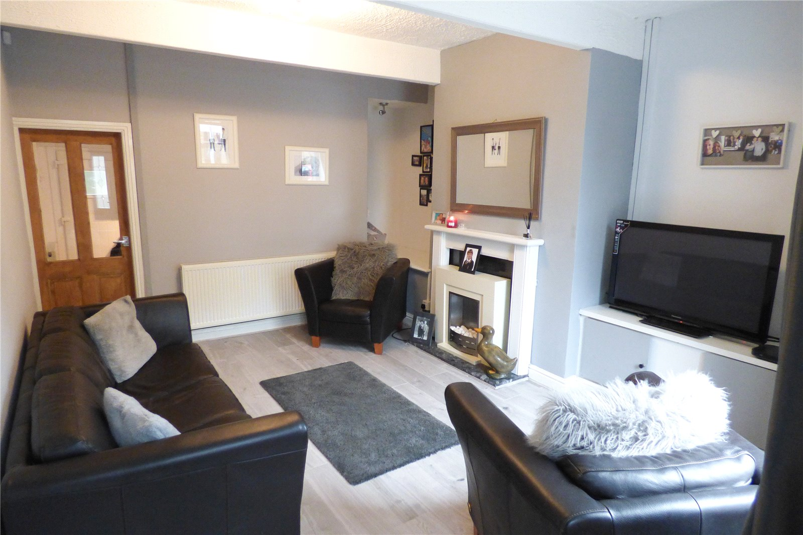 2 Bedrooms Terraced House for sale in Stamford Road, Mossley, Ashton-under-Lyne, Greater Manchester, OL5