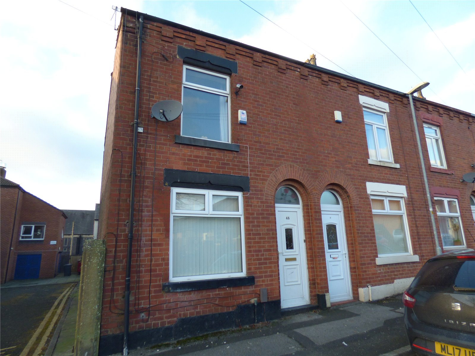 2 Bedrooms End Of Terrace House for sale in Stanley Street, Chadderton, Oldham, Lancashire, OL9