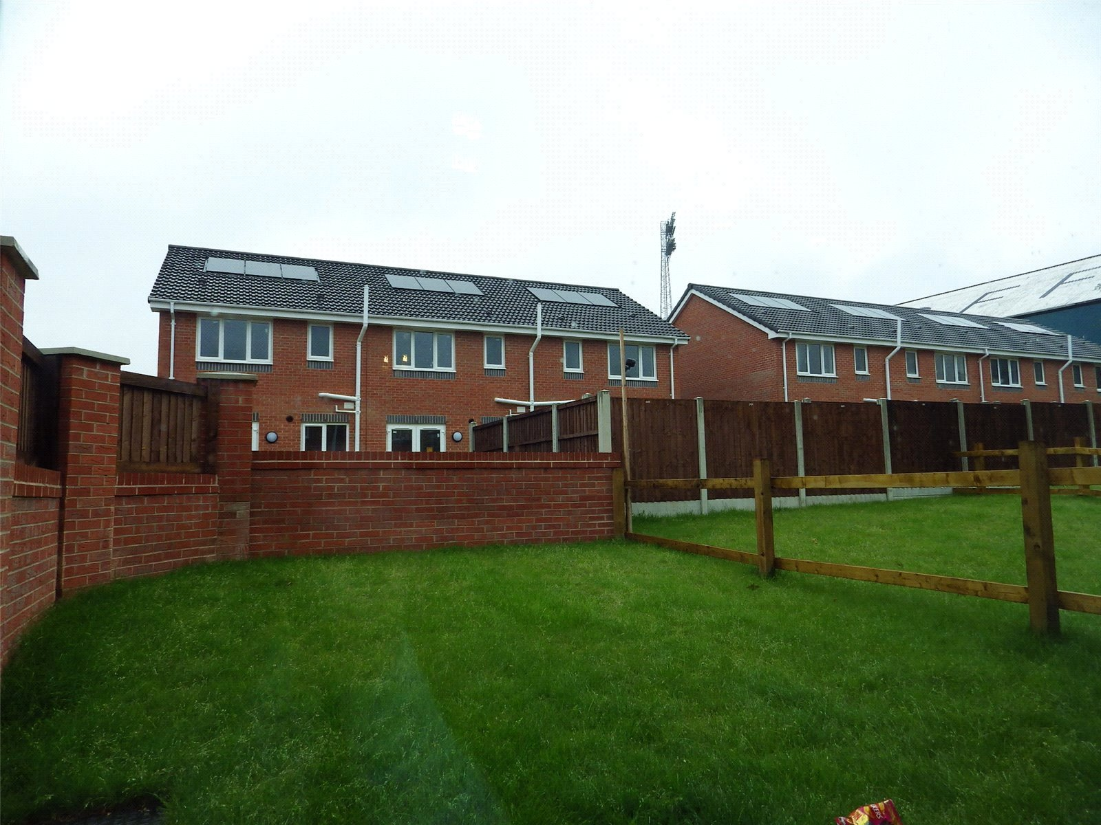 3 Bedrooms End Of Terrace House for sale in Plot 12 Boundary Park, 3 Johnstone Close, Oldham, OL1