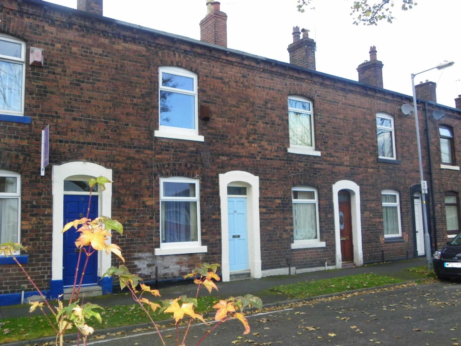 2 Bedrooms Terraced House for sale in Quail Street, Salem, Oldham, Lancashire, OL4