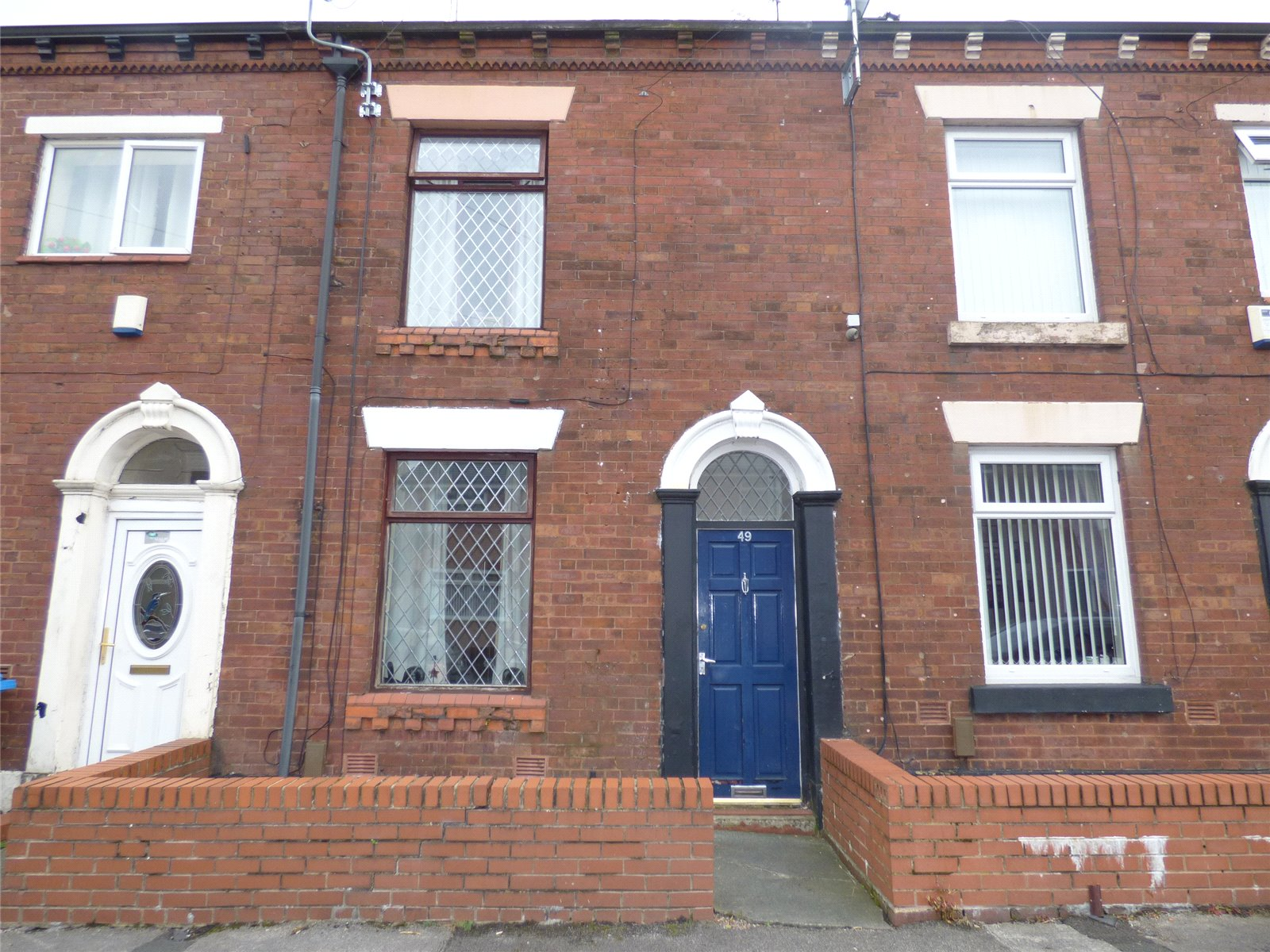 2 Bedrooms Terraced House for sale in Esther Street, Greenacres, Oldham, OL4