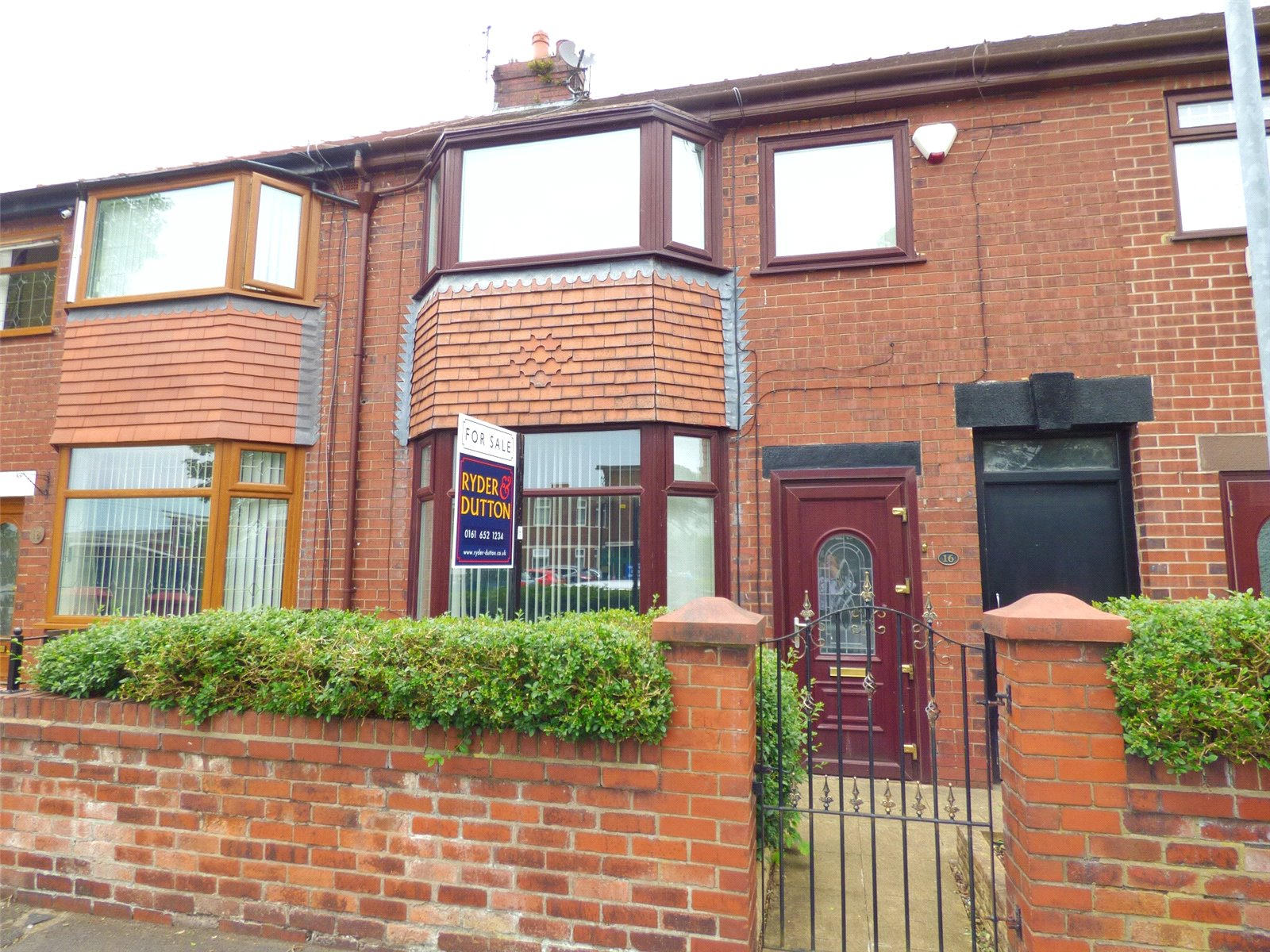 3 Bedrooms Terraced House for sale in Bellfield Avenue, Hathershaw, Oldham, Greater Manchester, OL8