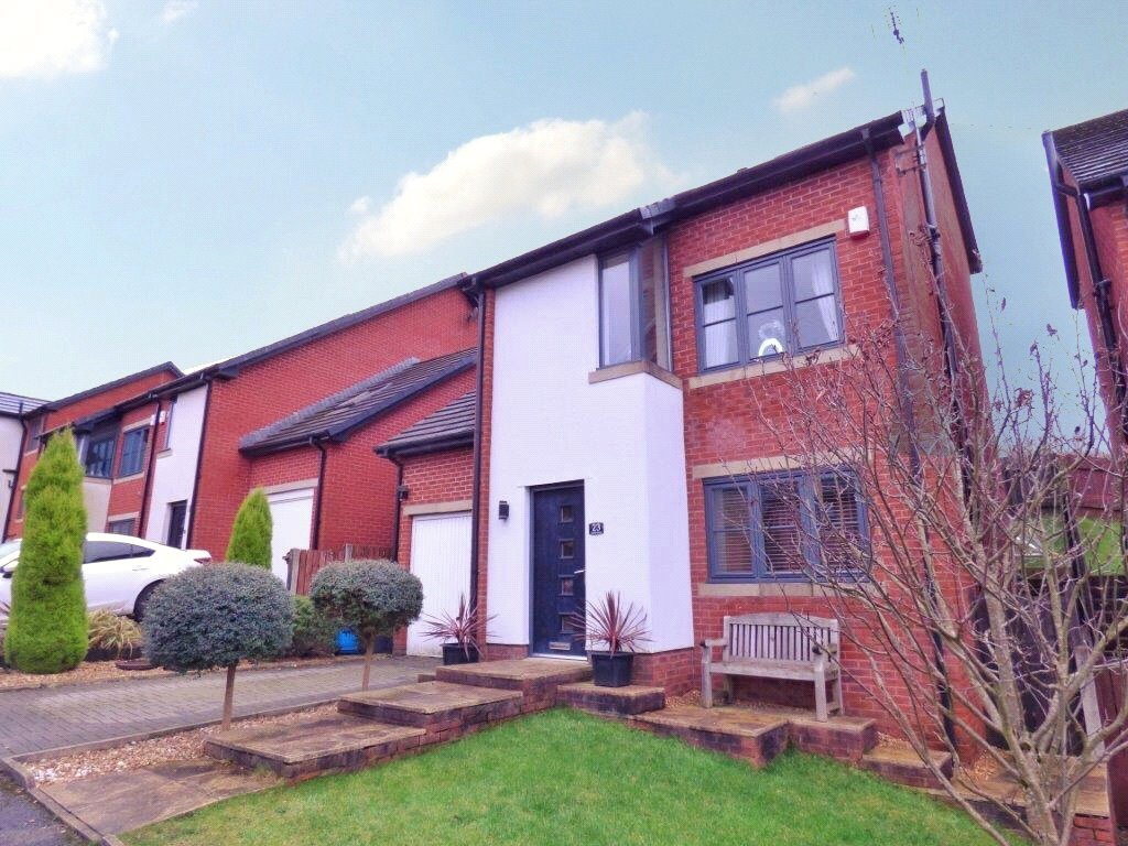 4 Bedrooms Detached House for sale in Owls Gate, Lees, Oldham, Greater Manchester, OL4