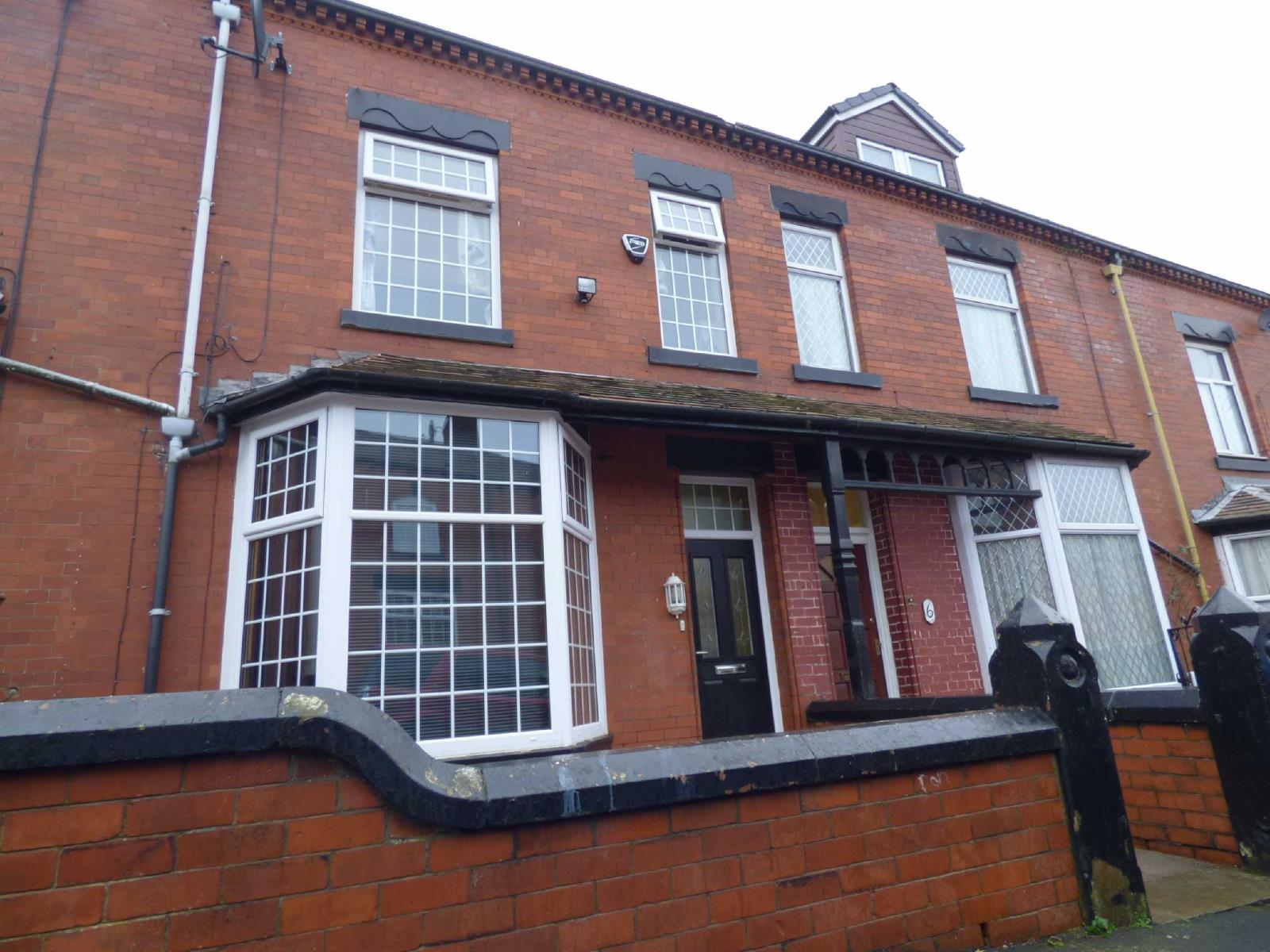 4 Bedrooms Terraced House for sale in Newport Street, Coppice, Oldham, OL8
