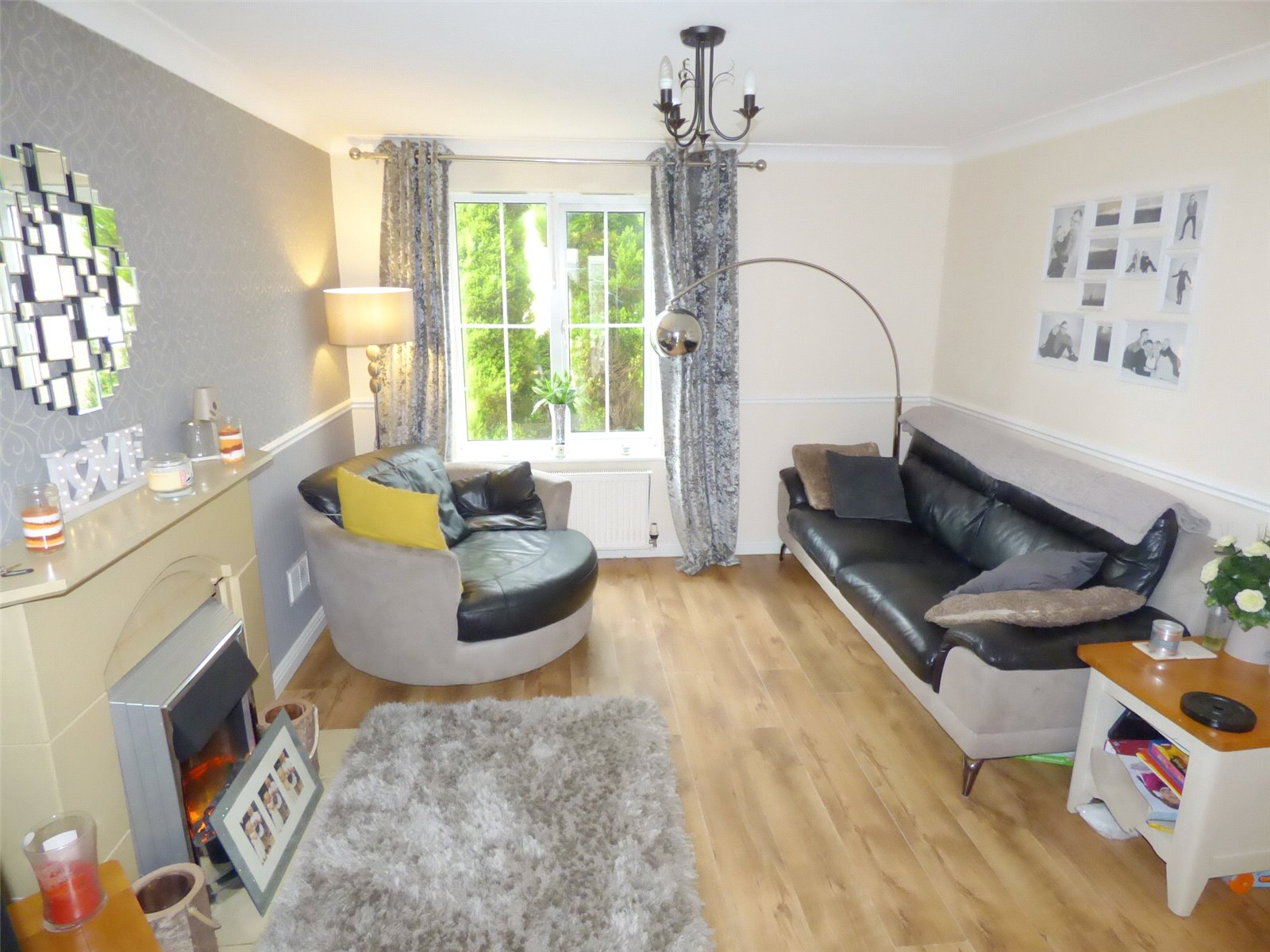 3 Bedrooms Detached House for sale in Mollis Grove, Moorside, Oldham, Greater Manchester, OL1