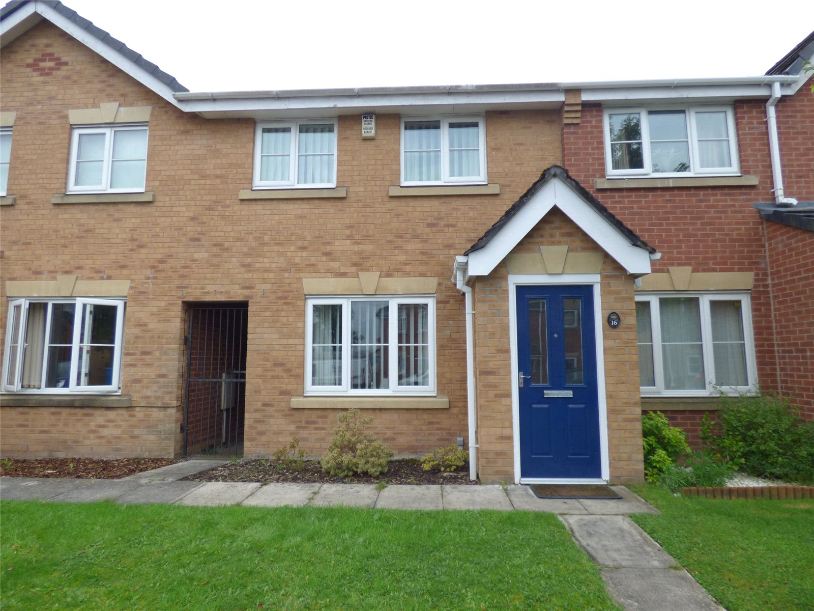 3 Bedrooms Terraced House for sale in Hansby Close, Oldham, Greater Manchester, OL1