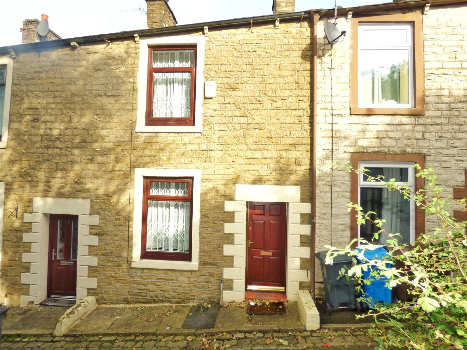 2 Bedrooms Terraced House for sale in Alexandra Terrace, Oldham, Greater Manchester, OL4
