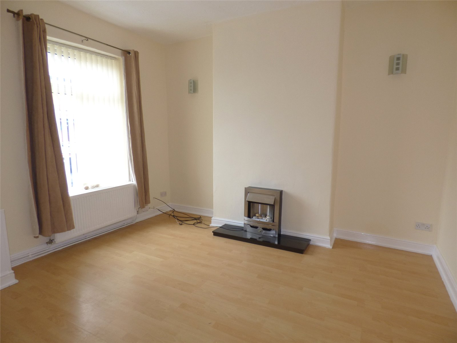 2 Bedrooms Terraced House for sale in Hollinhall Street, Greenacres, Oldham, Greater Manchester, OL4