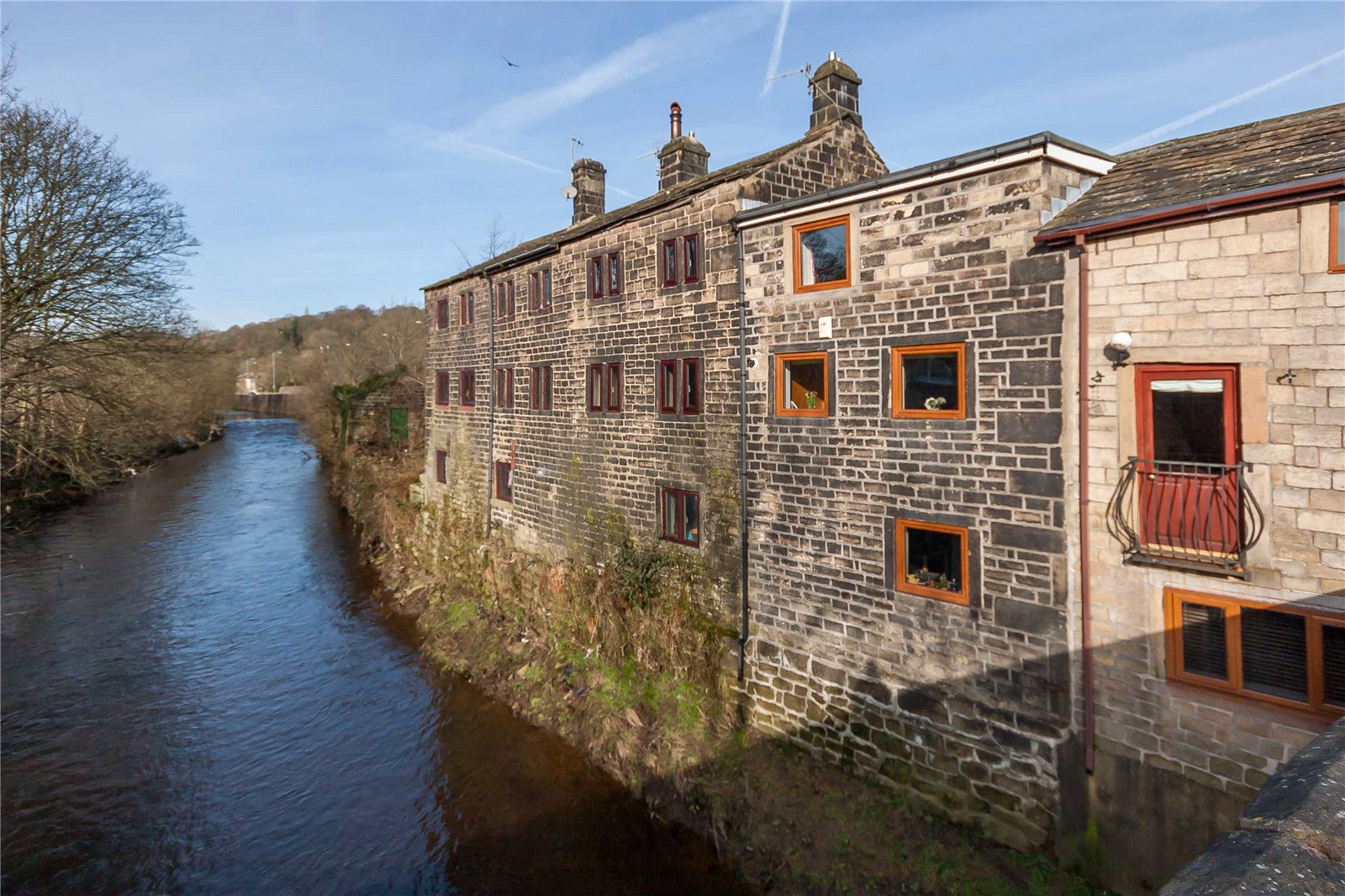 2 Bedrooms Terraced House for sale in Hawksclough, Hebden Bridge, West Yorkshire, HX7