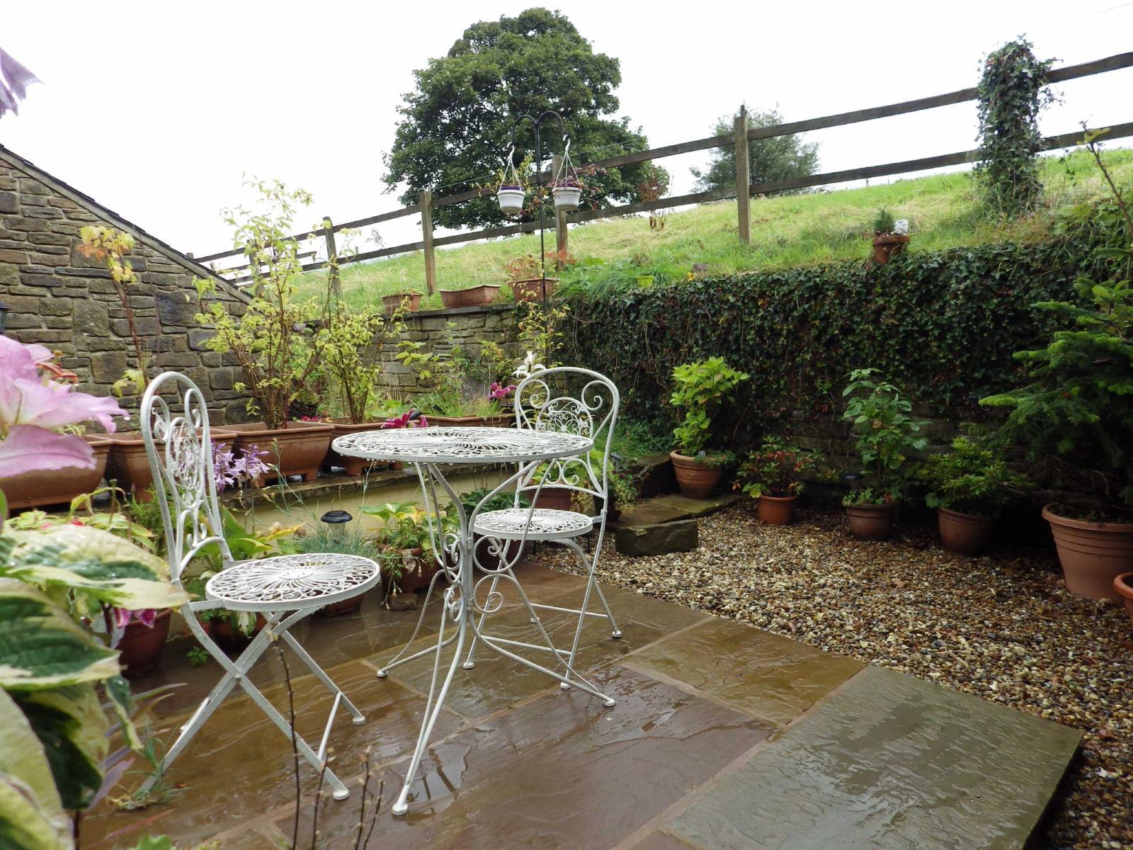 3 Bedrooms Terraced House for sale in Edgeside Lane, Waterfoot, Rossendale, Lancashire, BB4
