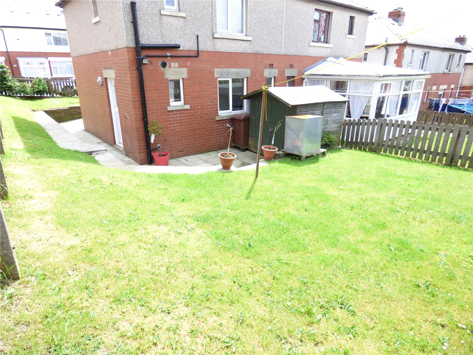 2 Bedrooms Semi Detached House for sale in Walnut Avenue, Haslingden, Rossendale, Lancashire, BB4