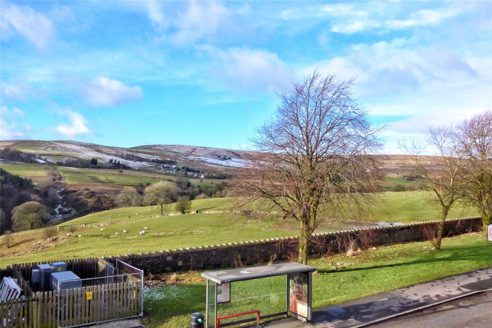 3 Bedrooms Terraced House for sale in Burnley Road, Loveclough, Rossendale, Lancashire, BB4
