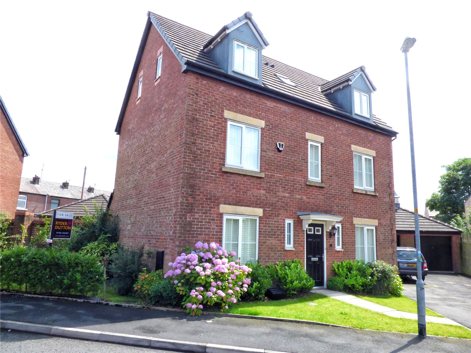 5 Bedrooms Detached House for sale in Newbold Hall Drive, Rochdale, Lancashire, OL16