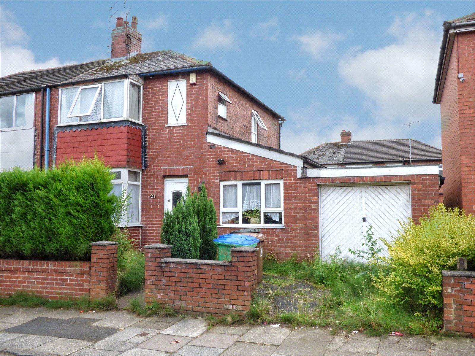 3 Bedrooms Semi Detached House for sale in Harry Street, Castleton, Rochdale, OL11