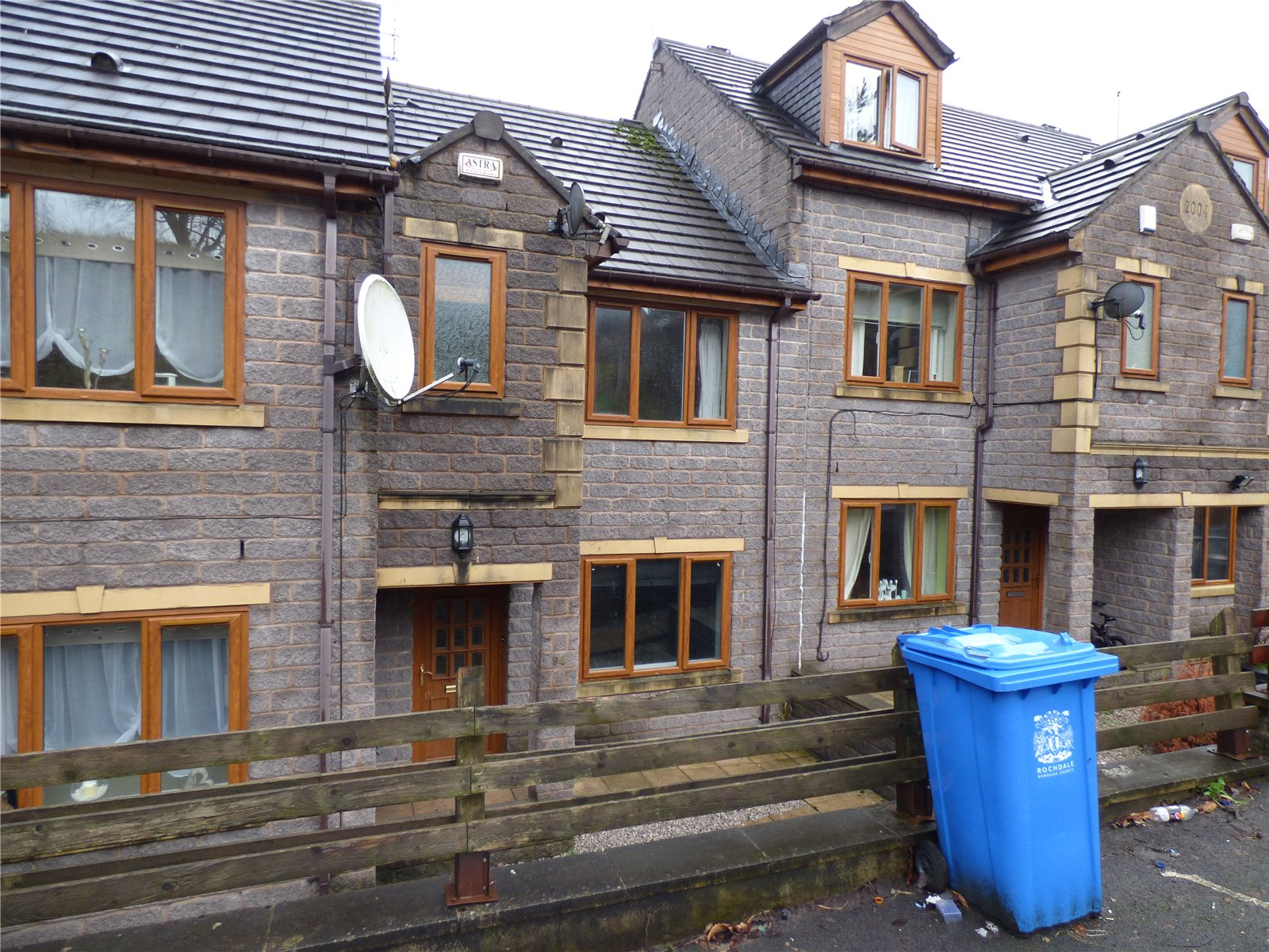 3 Bedrooms Terraced House for sale in Newbold Street, Rochdale, Greater Manchester, OL16