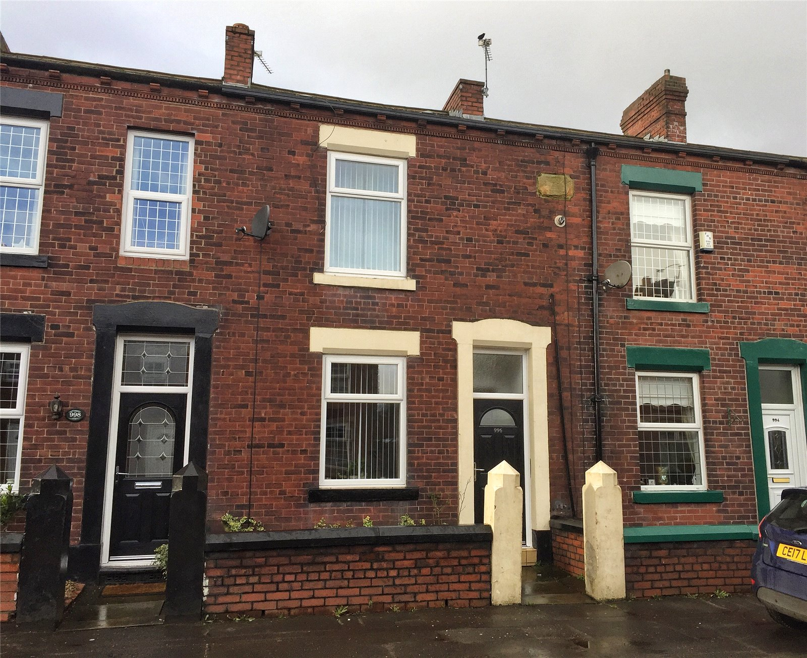 2 Bedrooms Terraced House for sale in Oldham Road, Rochdale, Lancashire, OL11
