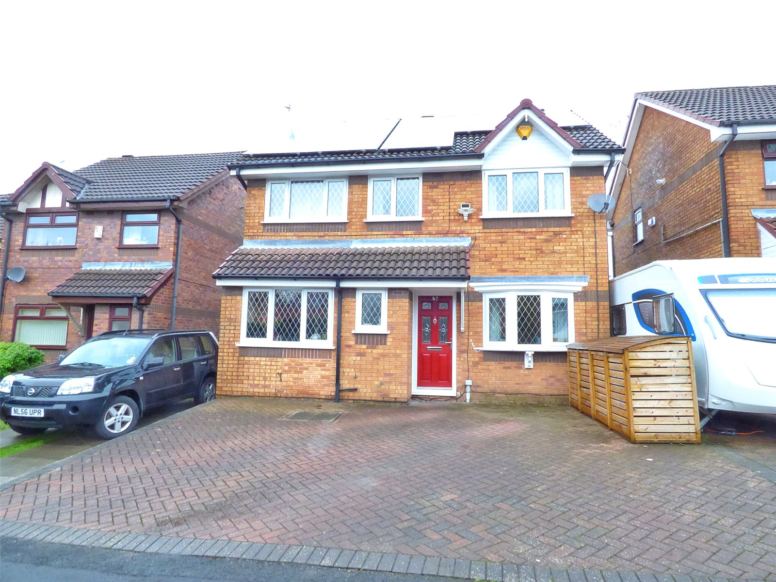 4 Bedrooms Detached House for sale in Bleasdale Street, Royton, Oldham, OL2